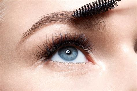 7 Tips For Perfectly Groomed Eyebrows by How To Get Eyebrows Reader S Digest