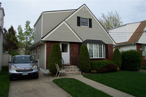 house for sale in staten island homes for sale in staten island s south shore