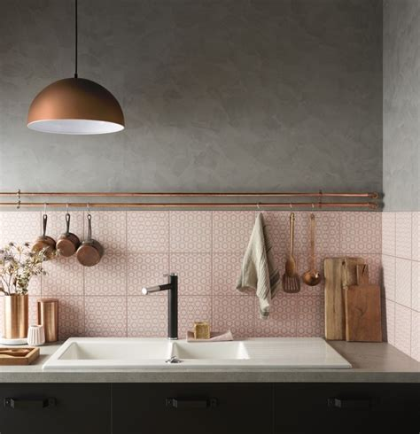 Tiles And Backsplash For Kitchens une cr 233 dence rose pour un effet vintage leroy merlin