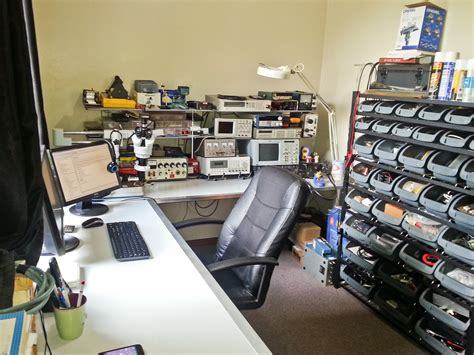 whats a bench whats your work bench lab look like post some pictures of