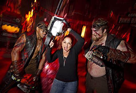 gloria estefan visits universal orlando's halloween horror