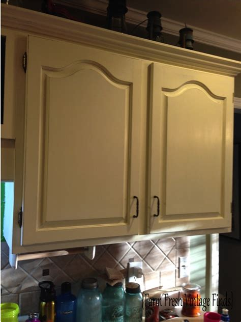 how to paint kitchen cabinets with annie sloan chalk paint how to paint your kitchen cabinets using annie sloan the