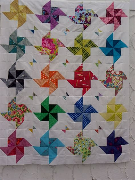 quilt pattern drawing little island quilting half square triangle quilt