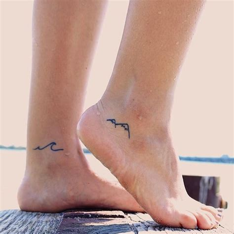 small mountain tattoo best 25 small mountain ideas on
