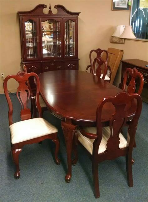 pennsylvania house dining set delmarva furniture consignment cherry dining table w hutch delmarva furniture consignment