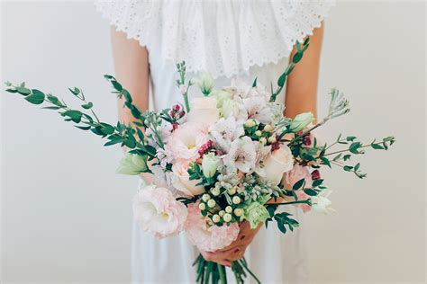 affordable wedding flowers style your own wedding with affordable blooms by runaway