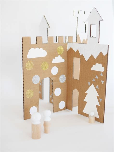 Make A Paper Castle - diy and free printable winter cardboard castle