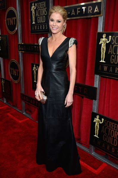 2008 Screen Actors Guild Awards The Carpet 2 by Julie Bowen Photos Photos 19th Annual Screen Actors