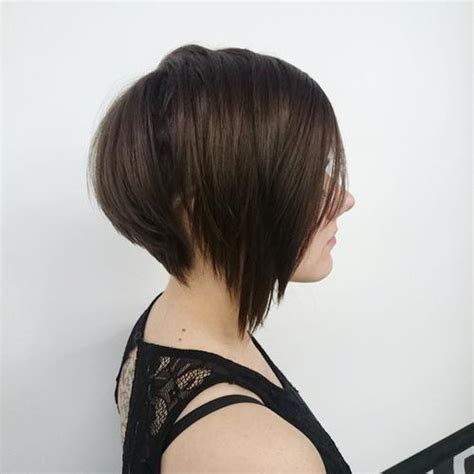 ways to style asymmetrical hair 20 chic and trendy ways to style your graduated bob