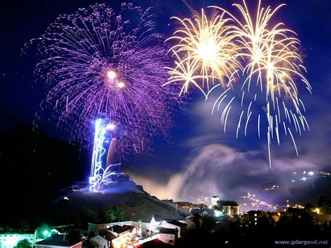 Promo Kembang Api 100 Shoot 100 breathtaking fireworks photography around the world hongkiat