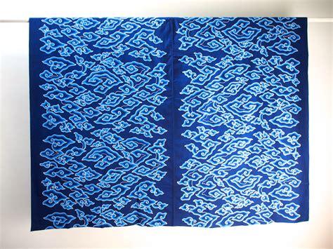 pattern batik mega mendung table cover batik tulis mega mendung cloud pattern