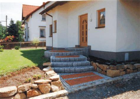 hauseingang mit treppe pflastern 2 pflaster granit basalt porphyr sandstein