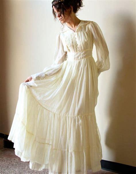 Vintage Cotton Wedding Dresses by 70s Gunne Sax Boho Wedding Dress Vintage Ivory Bone
