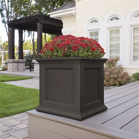 prestige  patio planter vinyl planters pots