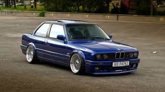 review mobil bmw e30 318i m40 abm motorsport
