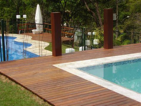 decks de 12 modelos de deck de madeira para piscinas
