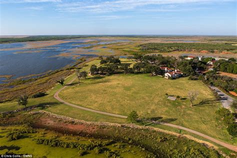 America S Biggest Ranch The Waggoner On Sale For 725m In