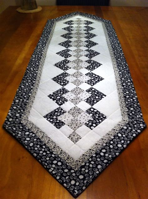 Patchwork Table Runner Pattern - seminole table runner trilhos mesa