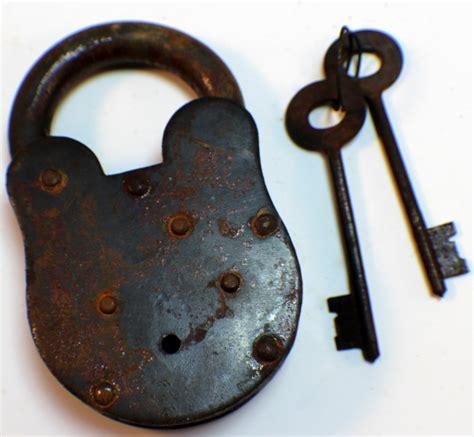 New Lock Key by New York Asylum Iron Lock And Key Set Antiqued