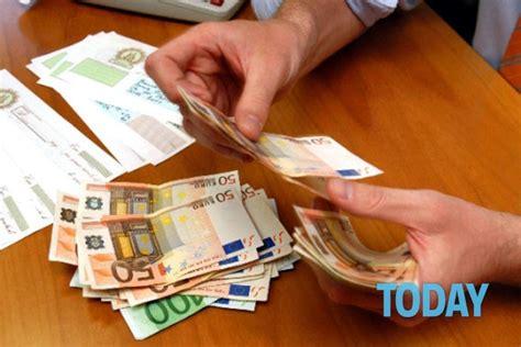 banche bologna tassi bancari iniqui codacons lancia cagna di azione