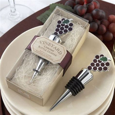 Vineyard Grapes Wine Stopper Favor