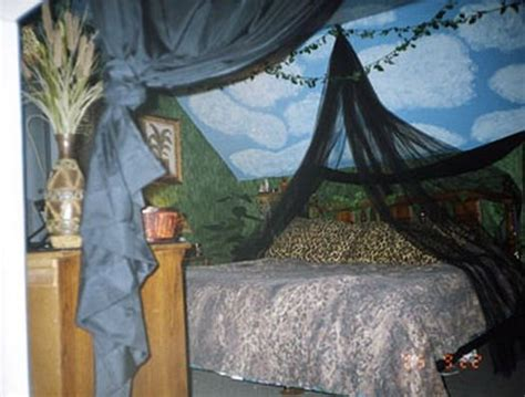 jungle themed bedroom ideas for adults 107 best images about safari adult bedroom on pinterest