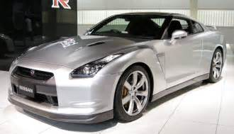 Nissan Dtla 187 Five Reasons The Nissan Gt R Surpasses The Competition