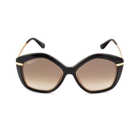 Sunglass Salvatore Ferragamo Coklat lyst ferragamo sf723s sunglasses in black