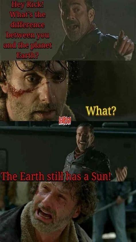 Walking Dead Finale Meme - savage memes from the walking dead midseason finale