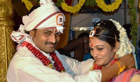 agnisakshi heroine family photos reel life couple saravanan meenakshi tie knot in real life