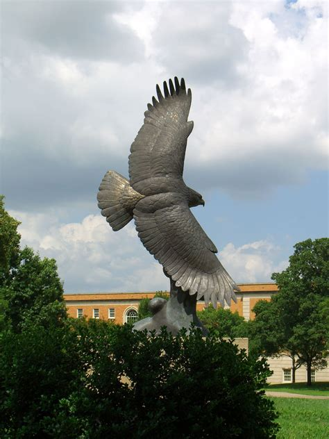Unt Search File Unt Eagle Statue Jpg