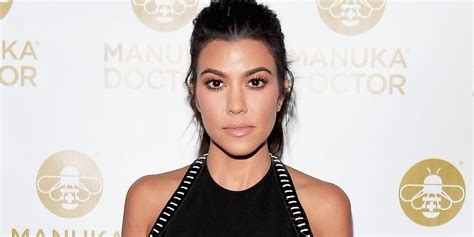 celebrity news photos and interviews bet cringe watch kourtney kardashian give the most awkward