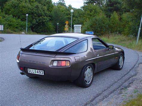 how do i learn about cars 1983 porsche 944 free book repair manuals 1983 porsche 928 information and photos momentcar