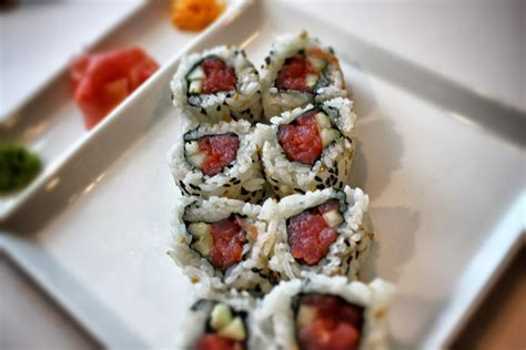 to roll how to make spicy tuna sushi roll my sushi