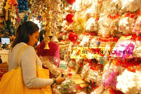 shopping for christmas in delhi
