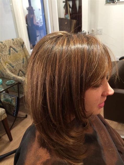 do it yourself hair highlights for med brown hair caramel highlights on medium brown hair cut with layers
