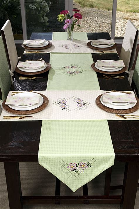 Dining Room Table Runners by Projects Horizon Memory Craft 12000 By Janome