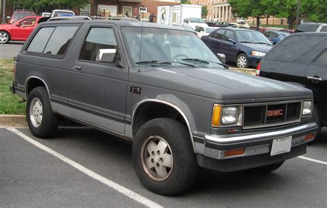 gmc jimmy 2 door chevrolet s 10 blazer tractor construction plant wiki