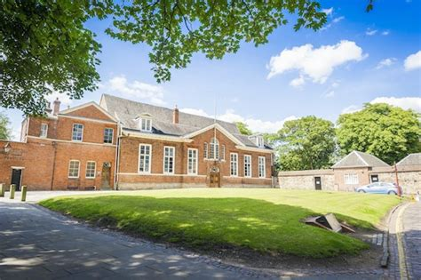 Of Leicester Mba by Dmu Leases Historic Leicester Castle For New Business School