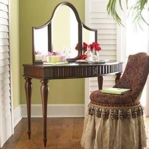 vanity set makeup table   bombay company city  toronto furniture  sale kijiji