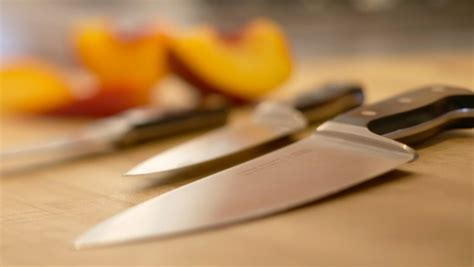 how to use kitchen knives kitchen basics types of kitchen knives