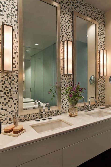 Proper Bathroom Lighting 25 Best Ideas About Bathroom Lighting On Toilets Interior Lighting And Funky Lighting
