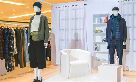 uniqlo shows   fallwinter collection gadgetmatch