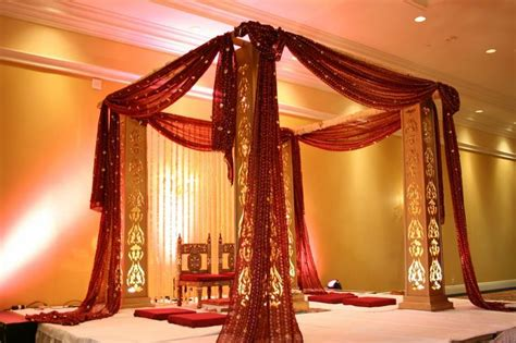 design house decor wedding simple and jali mandap with bandhani fabric