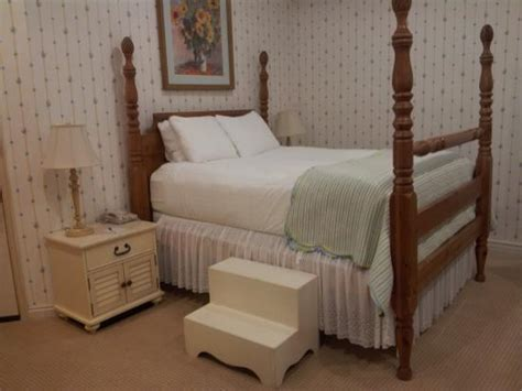 grandmas feather bed romm at the first floor b w grandma s feather bed picture of best western grandma s
