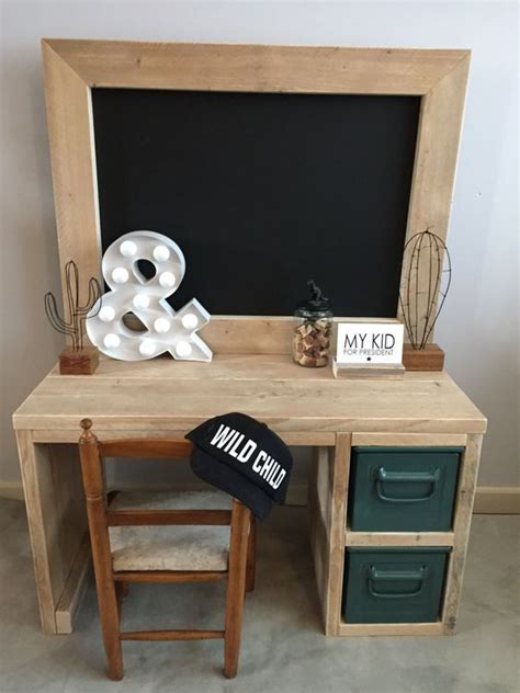 kids room desk ideas reclaimed wood desk maybe i could best 25 kid desk ideas on pinterest kids desk areas