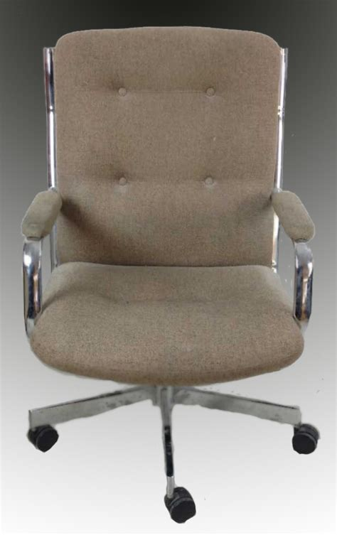 globe office furniture 1985 globe business furniture vintage office chair