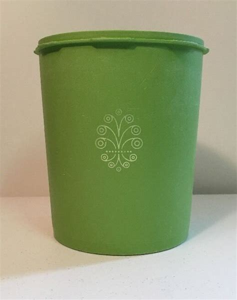 Tupperware 7 Circle Container vintage servalier apple green tupperware canister