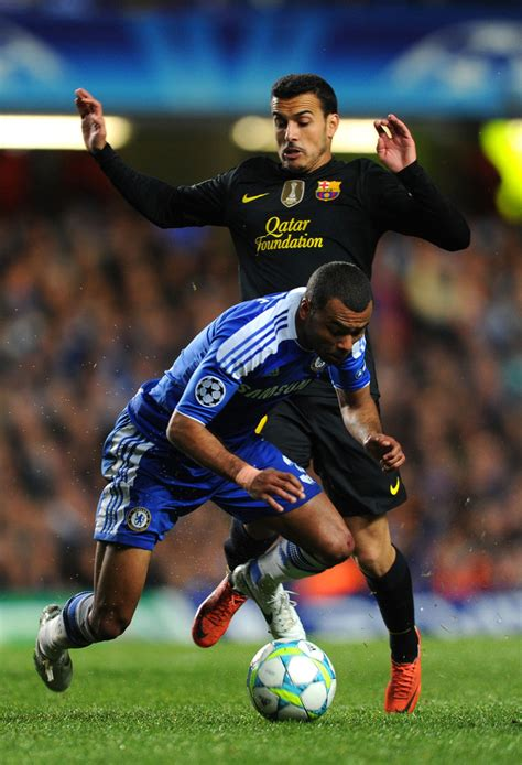 chelsea x barcelona ashley cole in chelsea fc v barcelona uefa chions
