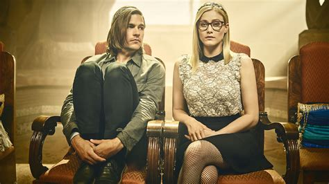 magicians season 2 the magicians season 2 premiere recap knight of crowns